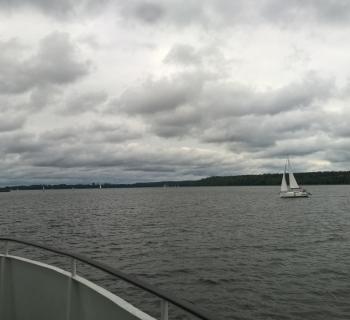 28. Widok na jezioro Mikołajskie.