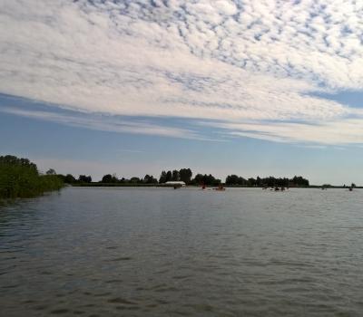 37. Widok na jezioro.